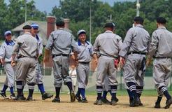Apretón de manos del ceremonial del béisbol Imágenes de archivo libres de regalías