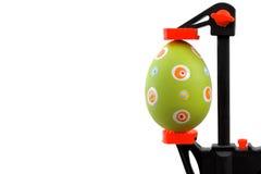 Apretón verde del huevo y del tornillo de Pascua Fotos de archivo libres de regalías
