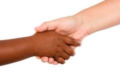 Apretón de manos entre las razas Imagen de archivo
