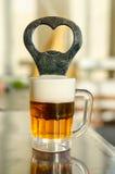 Apri della birra Fotografia Stock Libera da Diritti