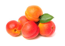 Apricot with leaf Royalty Free Stock Photography