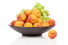 Apricots fruit on a bowl Royalty Free Stock Photos