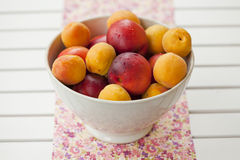 Apricots and nectarines Royalty Free Stock Photos