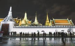 Apriete caminar alrededor de palacio o del prakaew magnífico de Wat Imagenes de archivo