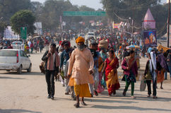 Apriete en el festival más grande del mundo - Kumbh Mela Fotografía de archivo
