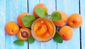 aprikosar Efterrätt från aprikors Aprikosdriftstopp arkivbilder