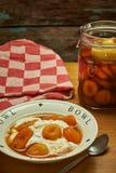 Aprikose auf Weinbrand Stockfotografie