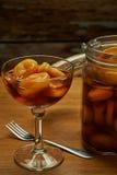 Aprikose auf Weinbrand Stockbilder