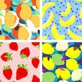Aprikosfrukter, limefrukter och citroner citrus, banan och jordgubbar stock illustrationer