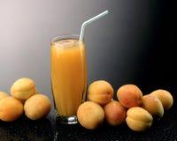 Aprikosfruktsaft Royaltyfri Bild