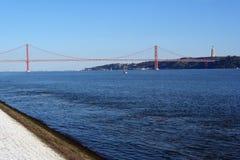 25. April Bridge, Lissabon, Portugal Stockbilder