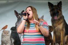 April Davies Solo Singer foto de stock royalty free