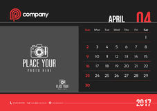 April Desk Calendar Design 2017 start söndag Royaltyfria Foton