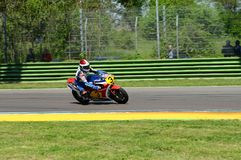 21 April 2018: Freddie Spencer på Honda NSR 500 under den motoriska legendfestivalen 2018 på Imola Circuit Royaltyfria Foton