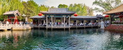 April 2015 - Jinan, Kina - den berömda Baotuen Quan i Jinan Arkivbild