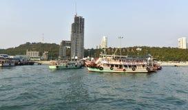 26 april, 2016 Koh Larn-toeristenplaatsen in de stad Gevestigd op t Stock Foto's