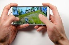 April 2019 Kramatorsk Ukraina Mobil applikationans spelar royaltyfri foto