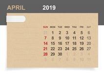 April 2019 - månatlig kalender på bakgrund för brunt papper och trämed område för anmärkning stock illustrationer