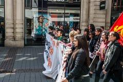 April protest mot Labour reformer i Frankrike Royaltyfria Bilder