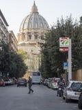 19 april 2018, Rome, via allaen Stazione, St, peterskupol av Vatic Royaltyfri Fotografi