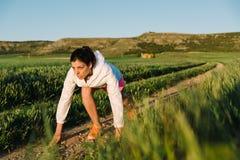 Apronte correndo na trilha rural Imagem de Stock Royalty Free