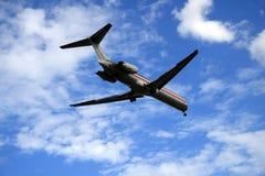 Aproximação de aterragem fotografia de stock royalty free