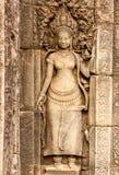 Apsara舞蹈家石雕刻 库存照片