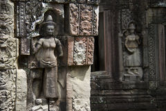 Apsara carved on the stone columns in Angkor Wat Royalty Free Stock Images