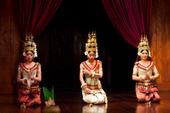 Apsara Dance, Cambodia. SIEM REAP, CAMBODIA - JANUARY 11: Three young cambodian girls performing in traditional costume on January 11, 2013 in Siem Reap Stock Photos