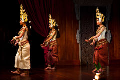 Apsara Dance, Cambodia. SIEM REAP, CAMBODIA - JANUARY 11: Young dancer girls performing in traditional costume on January 11, 2013 in Siem Reap, Cambodia. Apsara Royalty Free Stock Photos