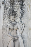 Apsara, das bei Angkor Wat Siem Reap Province Cambodia schnitzt Stockfotografie