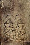Apsara que cinzela no templo de Bayon, dança de Apsara imagens de stock