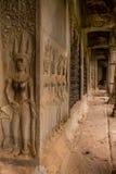 Apsara Rzeźbił w Angkor Korytarzu Wat Obrazy Royalty Free