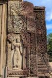 Apsara som snider i den Bapuon templet Royaltyfri Fotografi