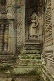 Apsara und Spalten bei Preah Khan Lizenzfreie Stockfotografie