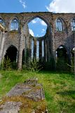 Apsis, ruine Abbey Aulne Thuin Landelies, België stock fotografie