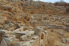 Aptera市墙壁和坟墓 免版税库存照片