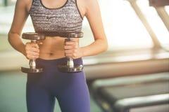 Aptidão, esporte, treinamento, gym e conceito do estilo de vida fotos de stock