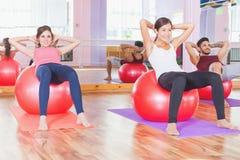 Aptidão, pilates, algumas atividades dos esportes, corpo saudável Fotos de Stock Royalty Free