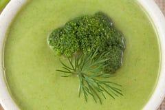 Aptitretande banta för soppa för broccoligräsplankräm Arkivbild