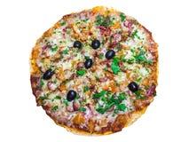 Aptitretande läcker pizza som ligger på en isolerad vit bakgrund Arkivfoton