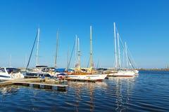 apulia巴里小船端口城镇 免版税库存照片