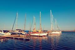 apulia巴里小船端口城镇 免版税图库摄影