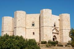 apulia castel del monte Arkivbild