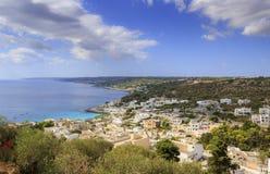 Apulien-Küste: Castro-townscape Italien Das Dorf wird auf einer Klippe gehockt und übersieht das adriatische Meer: Salento-Landsc Lizenzfreies Stockbild