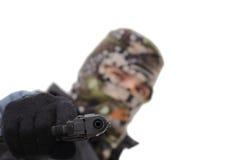 Apuntar una arma de mano Imagen de archivo libre de regalías