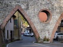 Aquädukt bei Gallicano, Provinz von Lucca, Italien in Garfagnana Stockbild