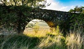 Aquädukt nahe Tarquinia Stockbilder