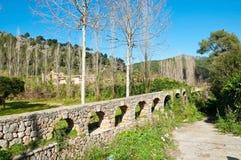 Aquädukt von den mittelalterlichen Zeiten stockbild