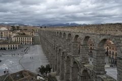 Aquädukt von Segovia lizenzfreie stockbilder